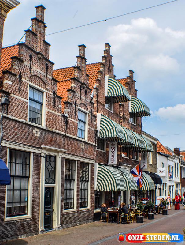 Huizen met trapgevels aan de Voorstraat in Brielle
