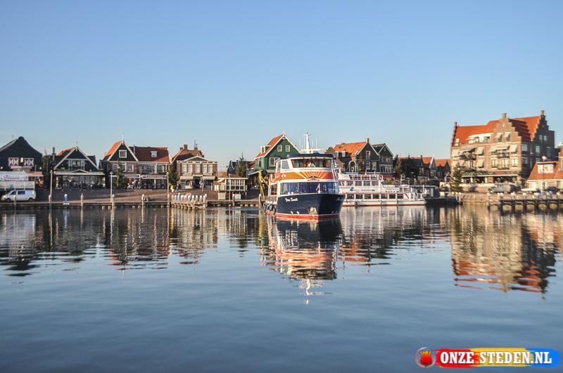 De veerdienst van Volendam naar Marken.