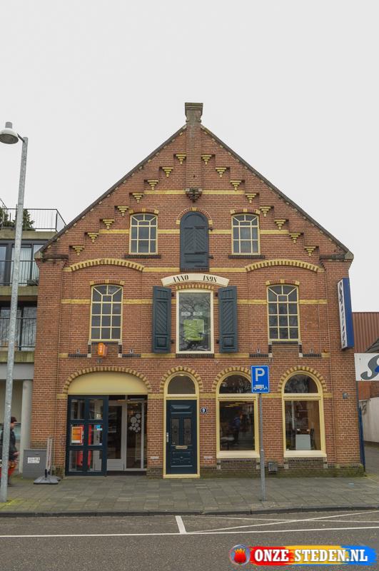 Het Burgemeester Schönfeldplein in Winschoten